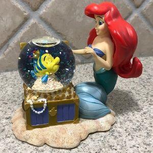 Vintage The Little Mermaid Ariel mini snow globe.